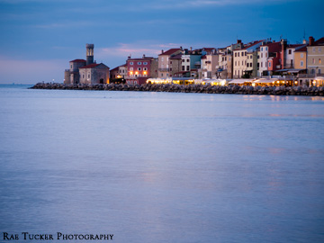 Dusk paints itselft over the charming town of Piran, Slovenia
