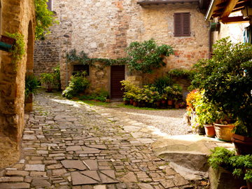 A small courtyard in Tuscany