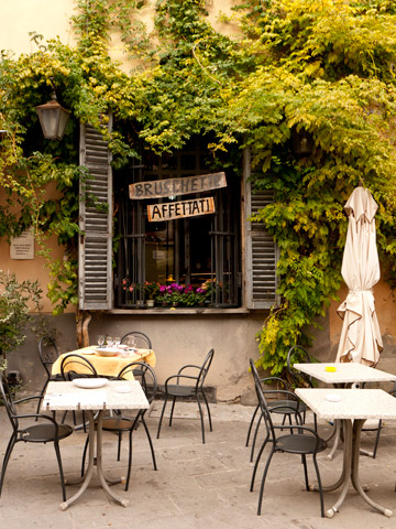 A small patio of a restaurant in Brisighella, Italy