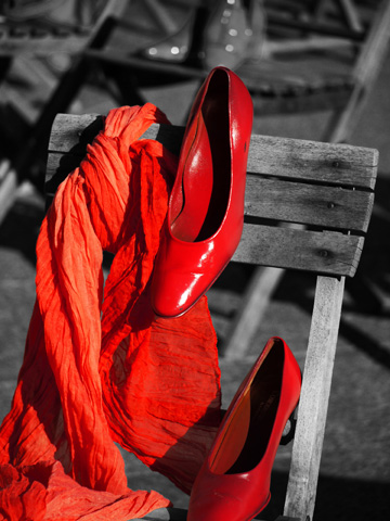 Red Shoes, Red Scard